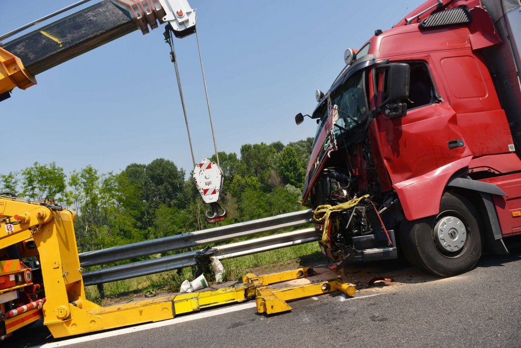 scene of a truck accident in Riverview, Florida
